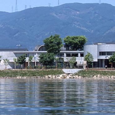 諏訪湖畔でアンリ・ルソーの絵8点を鑑賞 <br>ハーモ美術館