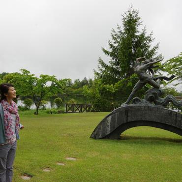蓼科を代表する美しい湖 <br>蓼科湖・蓼科高原芸術の森彫刻公園